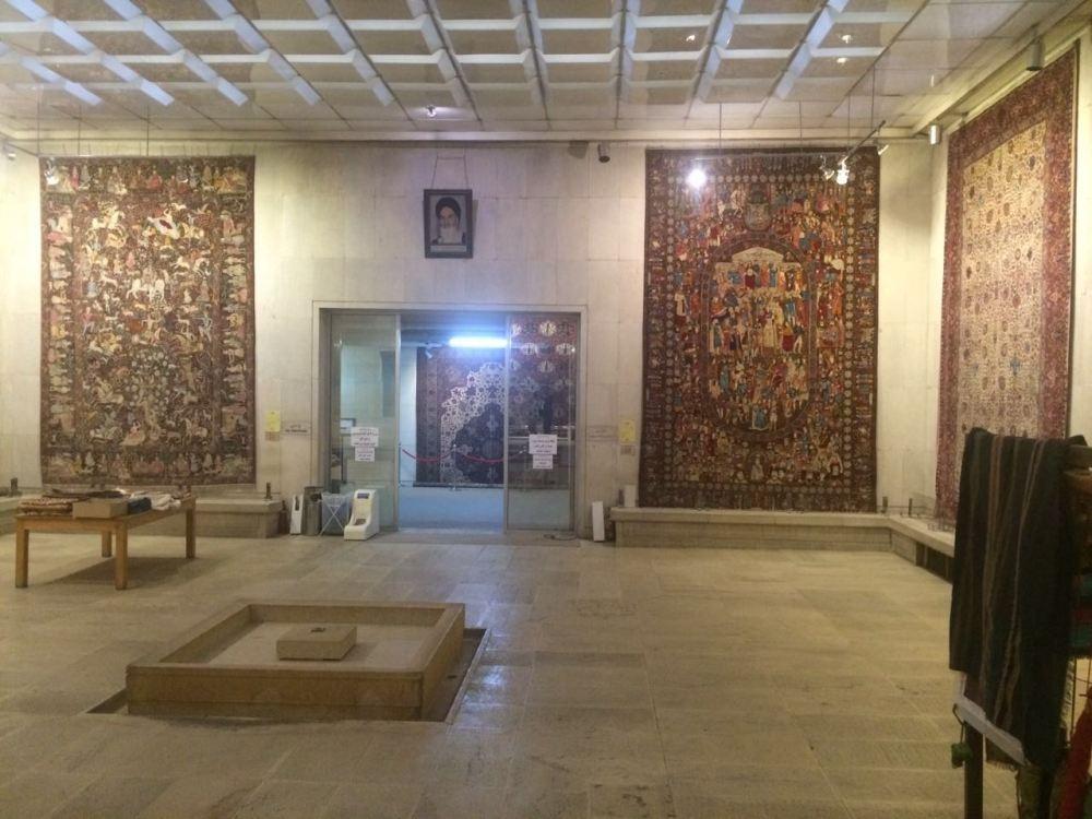inside-the-carpet-museum-1