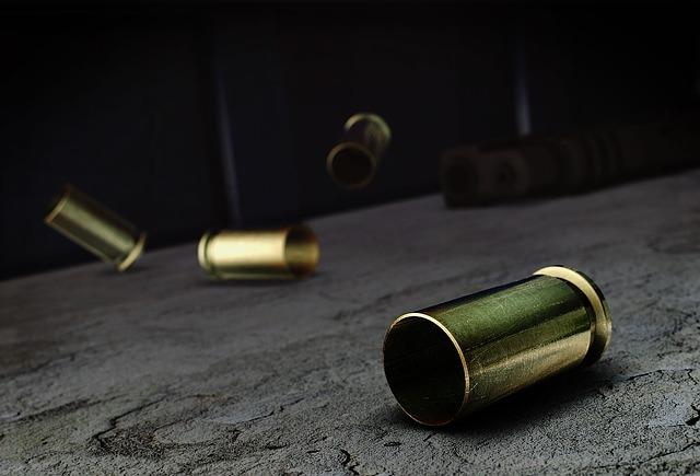 pistol-vs-revolver-1